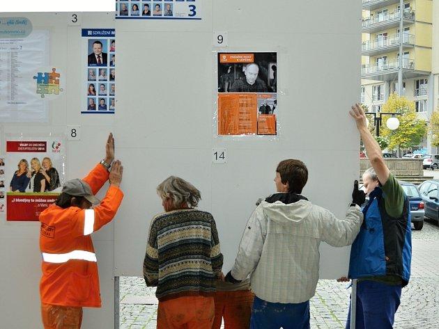 Radniční plocha pro výlepy volebních letáků před volbami vroce 2016vMostě.