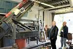 V Mostě staví maketu německého protiletadlového kanónu, takzvaného flaku