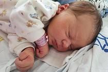 Davídek Staněk se narodil mamince Kristýně Dražanové 13. dubna ve 13.00 hodin.