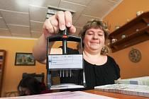 Na litvínovském finančním úřadu od září přestane fungovat pokladna. Ilustrační foto.
