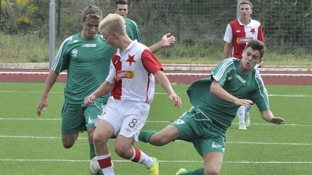 Zápas dorostenců FK Baník Most (v zeleném) a Slavie B.