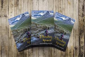 Kniha Dlouhej špacír, pěšky skandinávskou divočinou.
