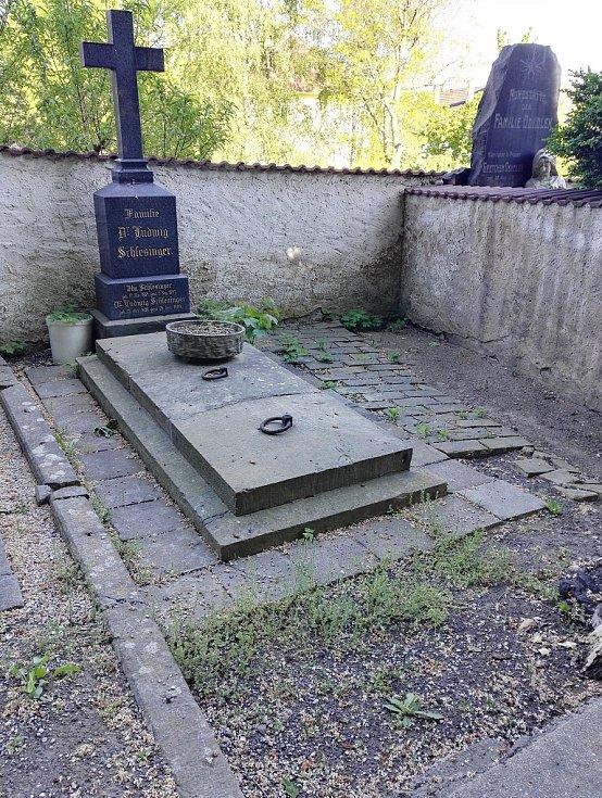 Hrob Ludwiga Schlesingera v Litoměřicích. Foto: Oblastní muzeum v Mostě