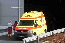 Do Nemaku dorazila pro zraněného muže nejprve sanitka