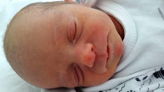 Lukáš Žák se narodil mamince Martině Žákové z Mostu 19. října 2018 v 15.30 hodin. Měřil 45 cm a vážil 2,29 kilogramu.