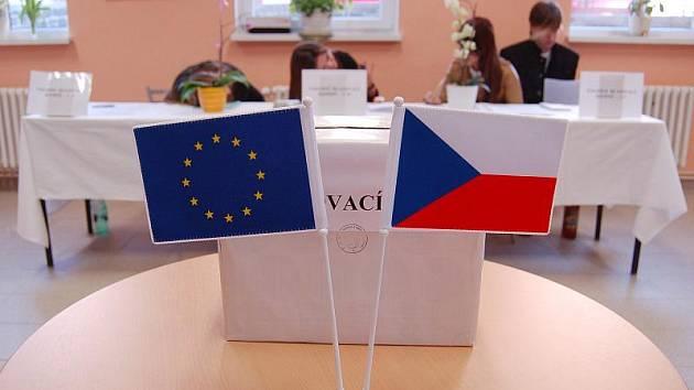 Střední škola diplomacie a veřejné správy včera zkoušela volby. Mládež měla na výběr ODS, ČSSD, KDU-ČSL, KSČM, SZ, TOP09, Stranu práv občanů (Zemanovci) a Věci veřejné.
