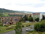 Sídliště Nová výstavba v Obrnicích, kam spekulanti stěhují nepřizpůsobivé a sociálně slabé rodiny prakticky z celé republiky.