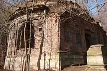 Čertova kaple u zámku Jezeří.