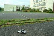 Opuštěný areál zrušené 17. ZŠ v Mostě od roku 2005 chátrá