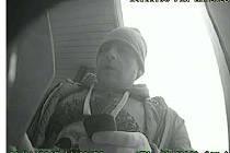 Policie zjišťuje totožnost tohoto muže.