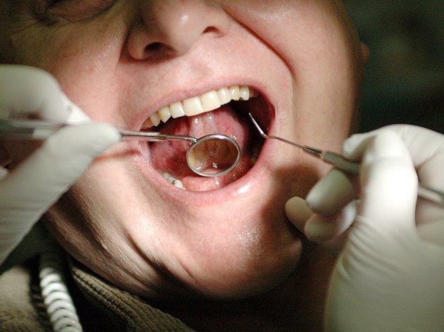 Na zubní pohotovost půjde v Mostě dvě stě tisíc korun.