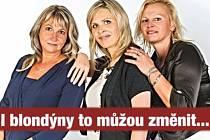 """Na ženy vsadili i komunisté. Slogan """"I blondýny to můžou změnit"""" doprovází volební fotografii trojice kandidátek s lídryní uprostřed."""
