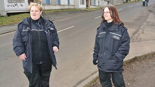Nová asistentka prevence kriminality Kateřina Pražáková (vpravo).