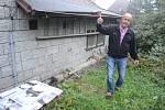 Emil Marhoun z osady Mníšek v Krušných horách může brát vodu z venkovního kohoutku bývalé místní hospody. Toto povolení je věcným břemenem.