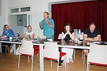 Veřejné projednávání Strategie komunitně vedeného místního rozvoje MAS Naděje na období 2021 - 2027 v budově Integrovaného centra volnočasových aktivit v Obrnicích.