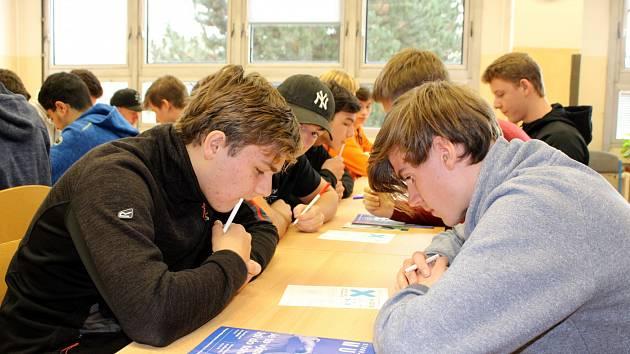 Střední průmyslová škola a Střední odborná škola gastronomie a služeb v Mostě hostila oblastní kolo hry PišQworky