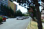 V Mostě se hledá nové dopravní řešení pro 8 lokalit. Změny navrhne studie. Na snímku řešená ulice Lipová, prostor mezi bloky 527 a 528.