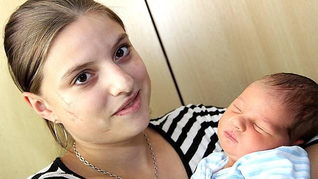 Mamince Lucii Belkové z Mostu se 28. září v 15 hodin narodil syn Filípek Belko. Měřil 52 centimetrů a vážil 3,45 kilogramu.