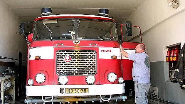 Technika dobrovolných hasičů v Louce u Litvínova.