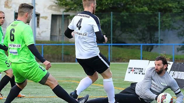 Martin Boček fotbal miluje a tak si tentokrát střihl roli brankáře.