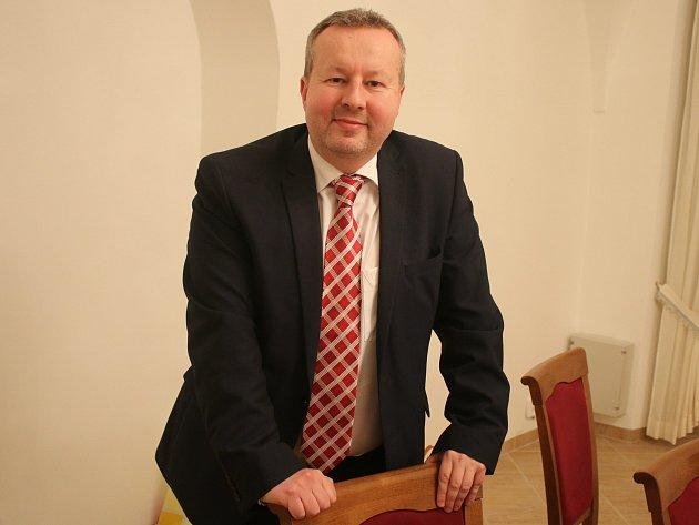 Ministr životního prostředí Richard Brabec si v Litvínově popovídal se starosty.