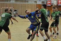 Severočeské derby mezi hosty z Mostu (v zeleném) a Lokomotivou Louny.