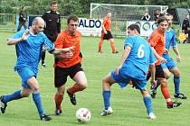 Soušský Martin Kovář (v modrém) ve vítězném zápase s FK Louny.