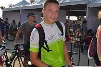 Triatlonista Jakub Langhammer na závodech ve Vietnamu. Skončil tam osmý.