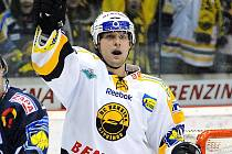 Slovenský reprezentant Ivan Švarný nasbíral v 46 zápasech extraligy do statistik 15 kanadských bodů za čtyři góly a 11 asistencí. Nikdo z obránců není v HC Benzina lepší.