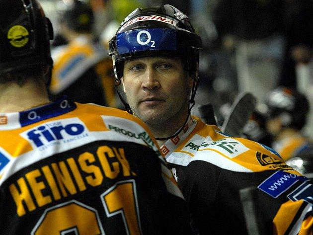 Obránce Jiří Šlégr se po zdravotních problémech vrátil na led, a potěšil tak zejména litvínovské fanoušky.
