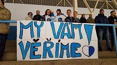 Mostečtí fanoušci při druhém finálovém zápase v Lounech.