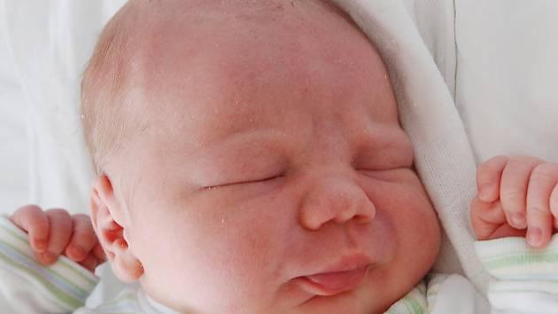 Mamince Lucii Tomkové se 29. července ve 22.48 hodin narodil syn Milan Šilhavík. Měřil 50 cm a vážil 3,74 kilogramu.
