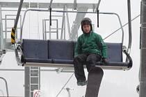 Na Klínech lze lyžovat na dvou kilometrech sjezdovek.