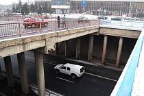 Most u mosteckého vlakového nádraží.