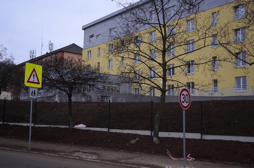 V Mostě vrcholí dokončovací práce v rekonstruovaném bloku 60, kde vznikl Domov Alzheimer