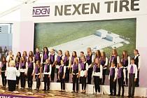 Slavnostní zahájení stavby továrny společnosti Nexen na podzim 2015.