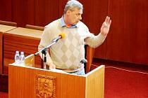 Václav Blahovec letos v diskuzi občanů kritizoval zpoplatnění veřejných prostranství a cenovou mapu města.