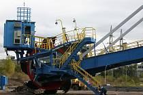 Skládkový stroj na hnědé uhlí.