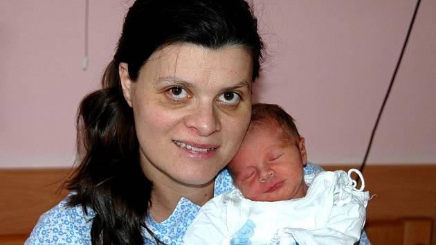 Martině Horváthové z Mostu se 16. ledna v 1.13 hodin narodil v ústecké porodnici syn Jakub Horváth. Měřil 48 cm a vážila 2,89 kg.