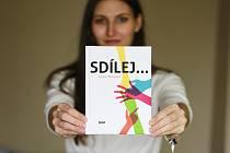 Prvotina mladé litvínovské autorky Hany Marksové s názvem Sdílej.