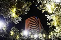 Hotel Cascade stojí v centru Mostu