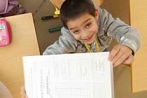 Děti z I.A mostecké 16.Základní školy si odnesly své první pololetní vysvědčení