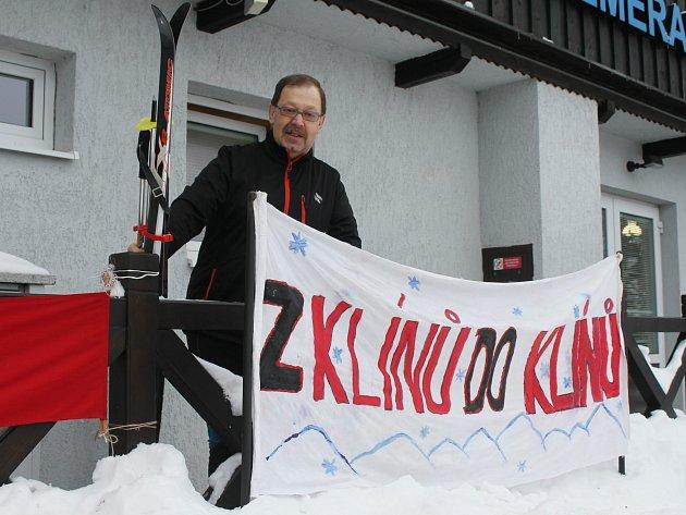 Běžkaři vyrazili na svůj tradiční lyžařský přejezd.