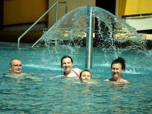 Venkovní bazény se chystají na novou sezonu