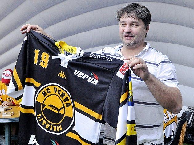 Litvínovští hokejisté zahajovali na Loučkách se svými fanoušky novou sezonu.