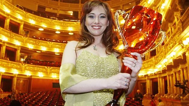 Výroční divadelní cenu Thalie za rok 2011 dostala v pražském Národním divadle Anna Klamo-Janotová.