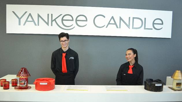 Otevření továrny Yankee Candle u Mostu.