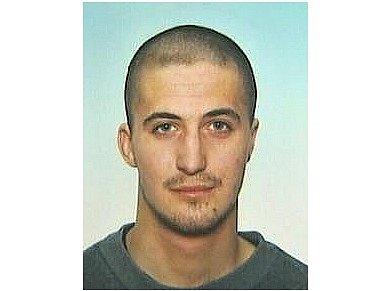 Policie pátrá po Petru Sonnleitnerovi zMostu, který pobodal ze soboty na neděli při potyčce muže.