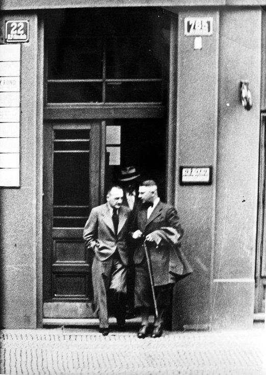 I přesto že 15. března 1939 už Mostecko dávno patřilo jako součást župy Sudety pod správu nacistického Německa, byl zábor zbylého území Československa, jak pro místní Čechy, tak i Němce, významnou událostí.  Svědčí o tom články z místních novin.
