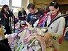 Drahé oblečení? Pomáhají dětské bazárky